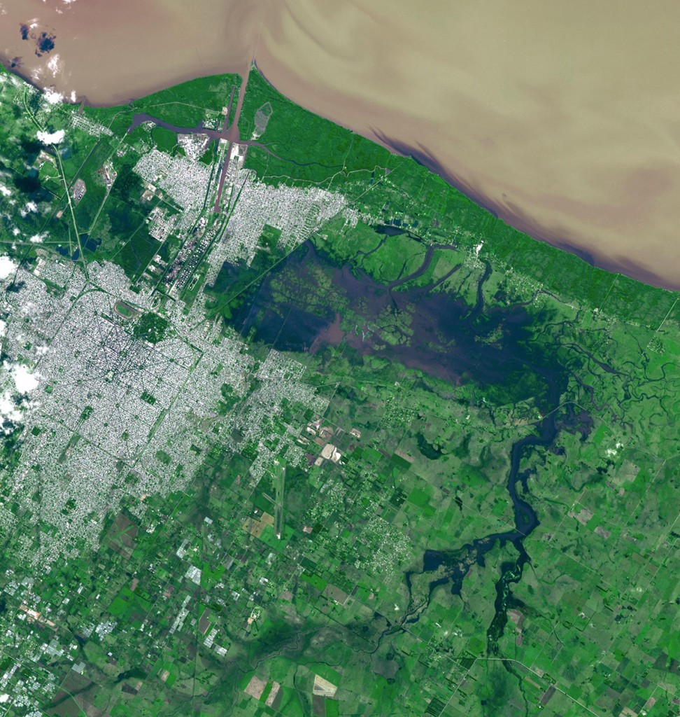 FIGURE 4. Flooded area in La Plata, Argentina in April 2013, courtesy of NASA.